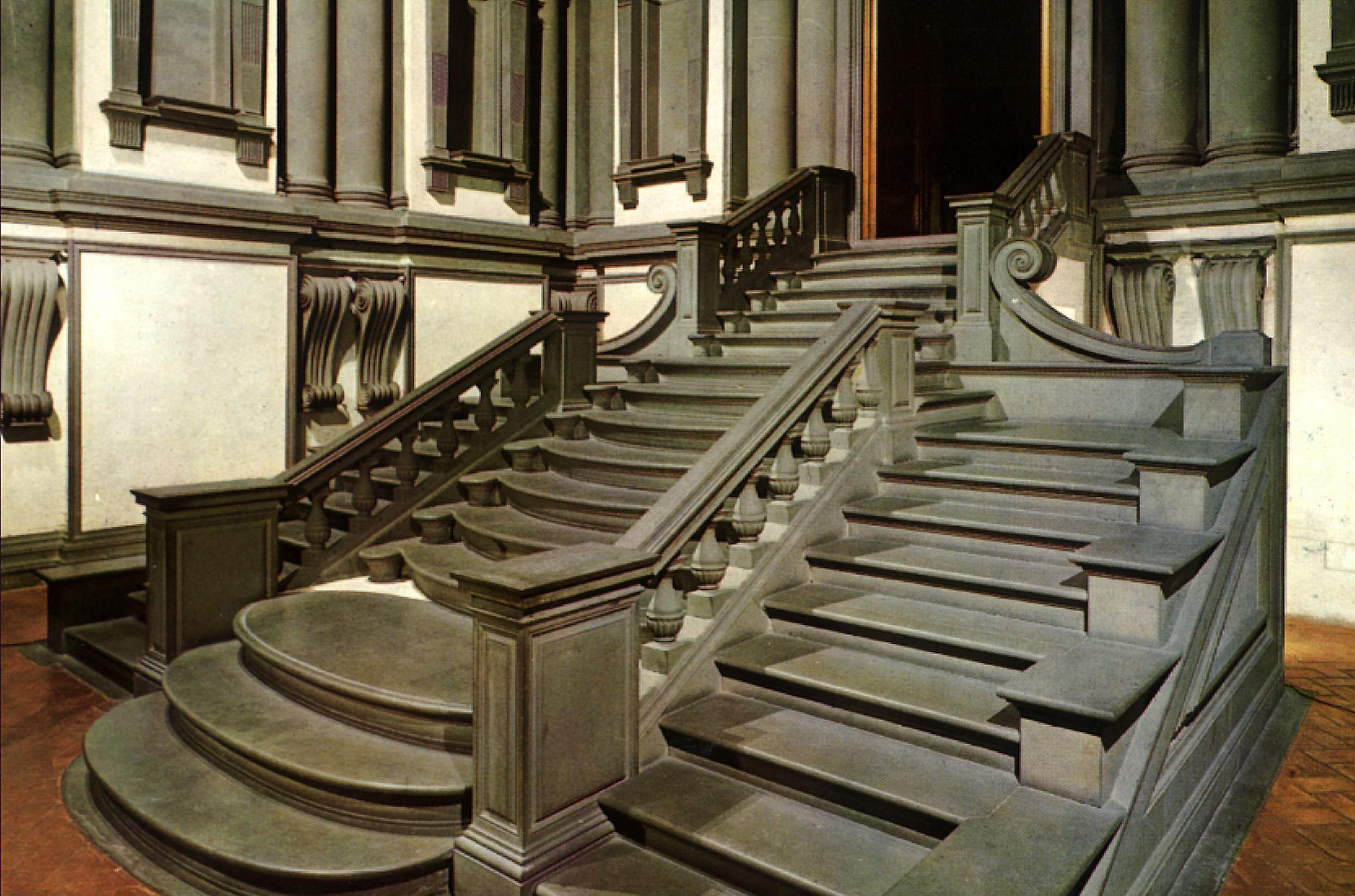 Escalera de la biblioteca laurenciana laboratorio de for Biblioteca debajo de la escalera